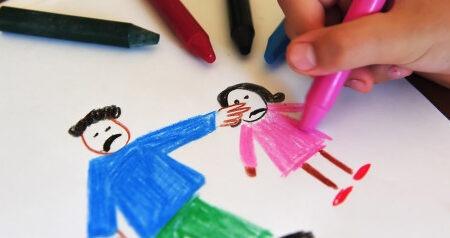 9 στις 10 περιπτώσεις σωματικής κακοποίησης παιδιών δεν καταγγέλλονται