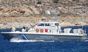 Μεγάλη επιχείρηση διάσωσης στη Φοινικούντα για δύο ναυαγούς
