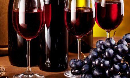 Αποστόλου: Εντός του έτους θα καταργηθεί ο Ειδικός Φόρος Κατανάλωσης στο κρασί