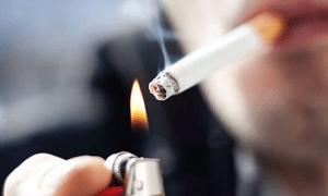 Έπεσε το πρώτο πρόστιμο για κάπνισμα σε πελάτη καφετέριας – Προηγήθηκε τηλεφωνική καταγγελία