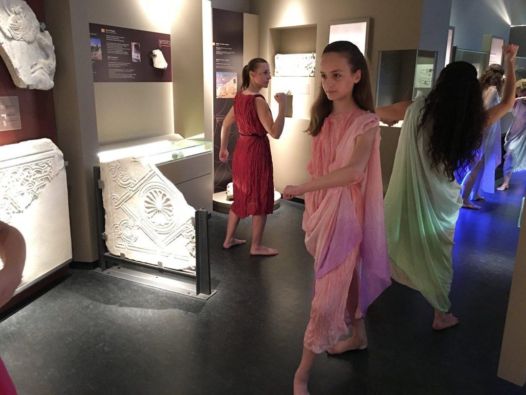 Μια πρωτότυπη χορευτική ξενάγηση στο Αρχαιολογικό Μουσείο Μεσσηνίας