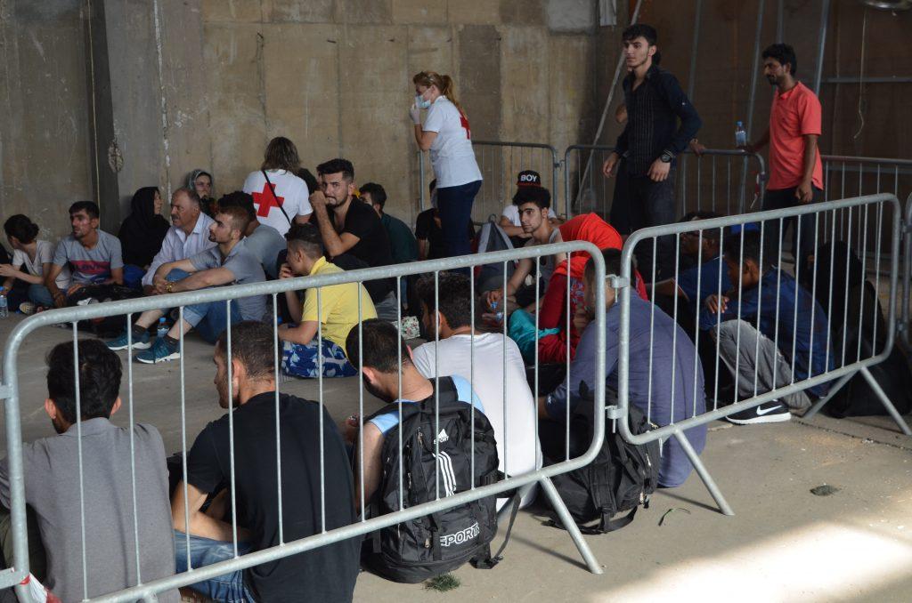 Στο Λιμάνι της Καλαμάτας οι 47 μετανάστες- Συνελήφθησαν 3 Ουκρανοί ως διακινητές