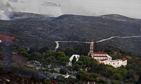 Τα Κύθηρα φλέγονται: Δείτε τις εικόνες καταστροφής όπως τις κατέγραψε drone