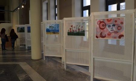 Κατάθεση ψυχής τα έργα των γυναικών του Κέντρου Συμβουλευτικής Καλαμάτας: Συνεχίζεται η έκθεση
