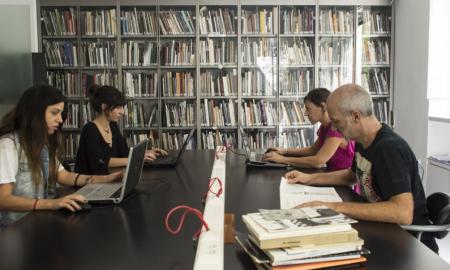 1.000 βιβλία δωρεά στο Εικαστικό Εργαστήρι της «Φάρις»