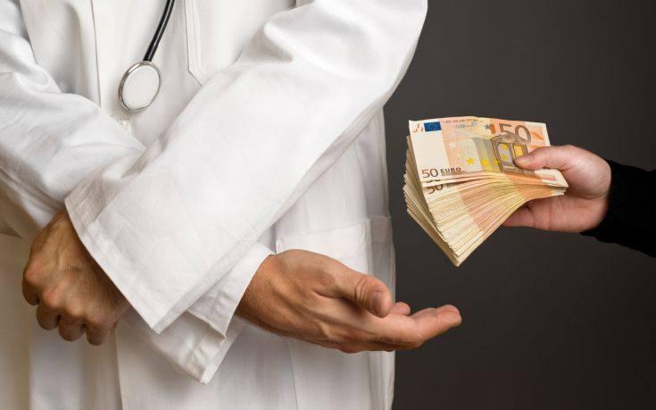 """Ανένδοτο στο """"φακελάκι"""" από τον διοικητή του Νοσοκομείου Καλαμάτας"""