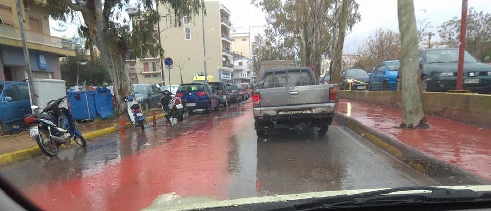 Η καταιγίδα ξέβαψε τα πεζοδρόμια στην Αρτέμιδος!
