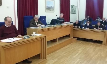 Νίκας: Για τις μεσημεριανές συνεδριάσεις φταίει η εμμονή των Υπουργείων