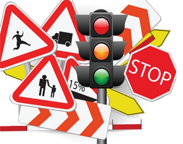 Φωτεινοί σηματοδότες και σήματα ΚΟΚ σε διασταυρώσεις της Καλαμάτας