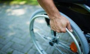 Το 5,3% των νοικοκυριών στην Ελλάδα έχουν άτομο με αναπηρία άνω του 67%