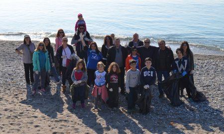 """""""Ευκλής"""" και Τρίτεκνοι καθάρισαν την παραλία Καλαμάτας"""