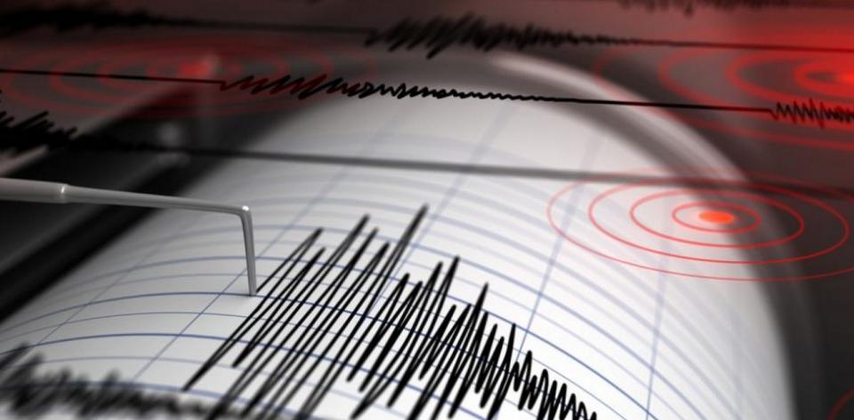 Οργή Τσελέντη για το «τσουνάμι» πανικού για σεισμό στον Κορινθιακό