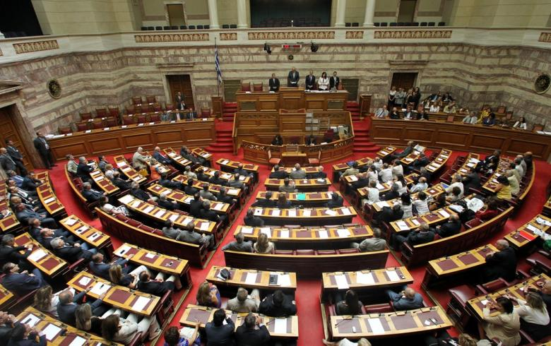 Στη Βουλή το πολυνομοσχέδιο με τα 82 προαπαιτούμενα της αξιολόγησης
