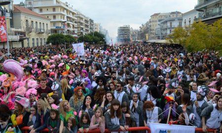 6o Καλαματιανό Καρναβάλι: Πολύχρωμη κοσμοπλημμύρα στο φινάλε του!