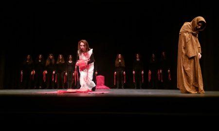"""Λύκειο Μεσσήνης: """"ΒΑΚΧΕΣ"""" του Ευριπίδη από τον Θεατρικό Όμιλο του Σχολείου"""