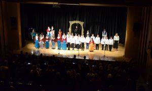 Τα παιδιά της Δ' Δημοτικού των Εκπ. Μπουγά παρουσίασαν με επιτυχία την παράσταση «Ήρωες του χθες, παιδιά του σήμερα»