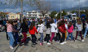 13ο Δημοτικό Καλαμάτας: Τα παιδιά υποδέχτηκαν την Άνοιξη με τον δικό τους τρόπο!