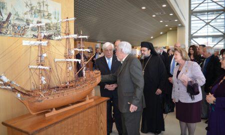 Eνθουσιασμένος ο Πρόεδρος από την έκθεση του Π.Σοφικίτη και της Δημόσιας Βιβλιοθήκης