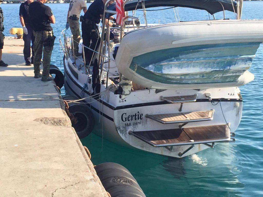 Μπάζουν νερά τα κατασχεμένα πλοία στο Λιμάνι-Κίνδυνος να βουλιάξουν λέει ο Λιμενάρχης