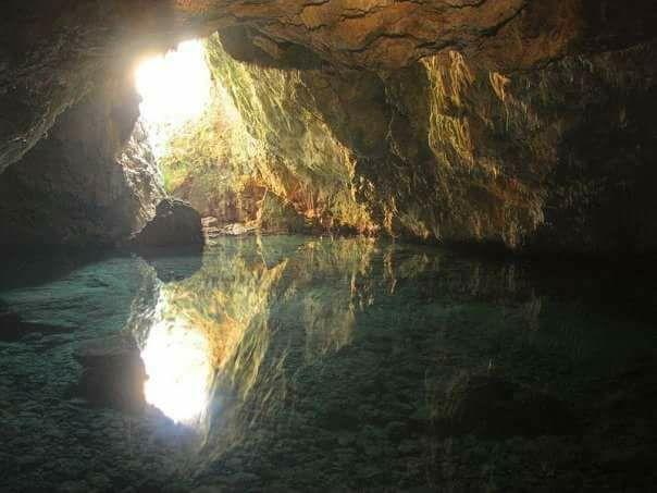 Μάνη: Στο μαγευτικό σπήλαιο Βατσινίδη