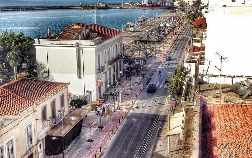 """""""Πανελλήνιο"""": Ξενοδοχείο και Καφετέρια στο Λιμάνι Καλαμάτας"""