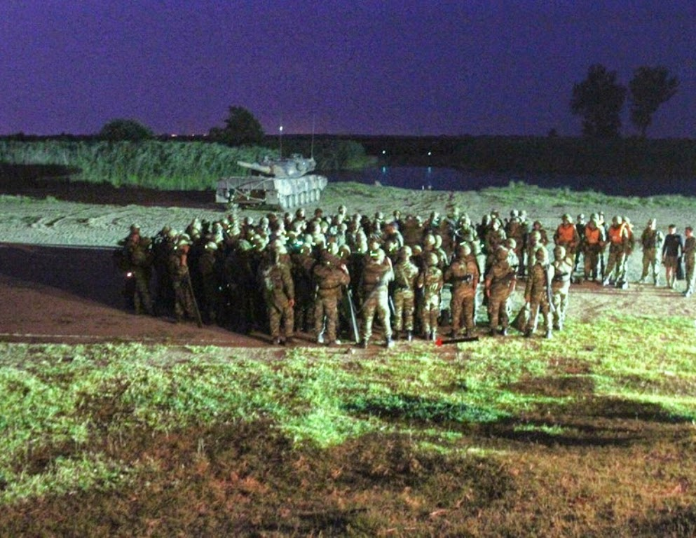 Νυχτερινή εκπαίδευση με πραγματικά πυρά στο 9ο Σύνταγμα Πεζικού