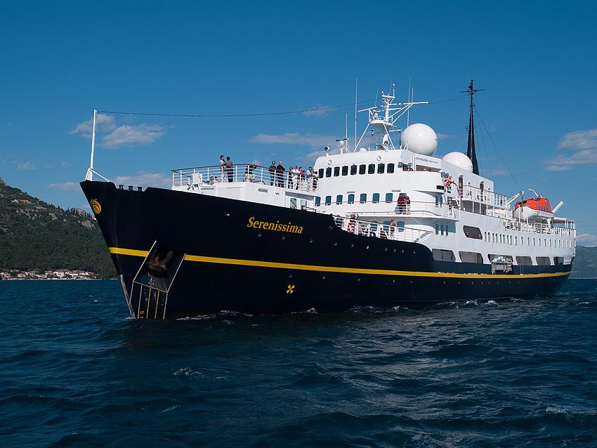 """Το κρουαζιερόπλοιο """"Serenissima"""" στην Καλαμάτα"""