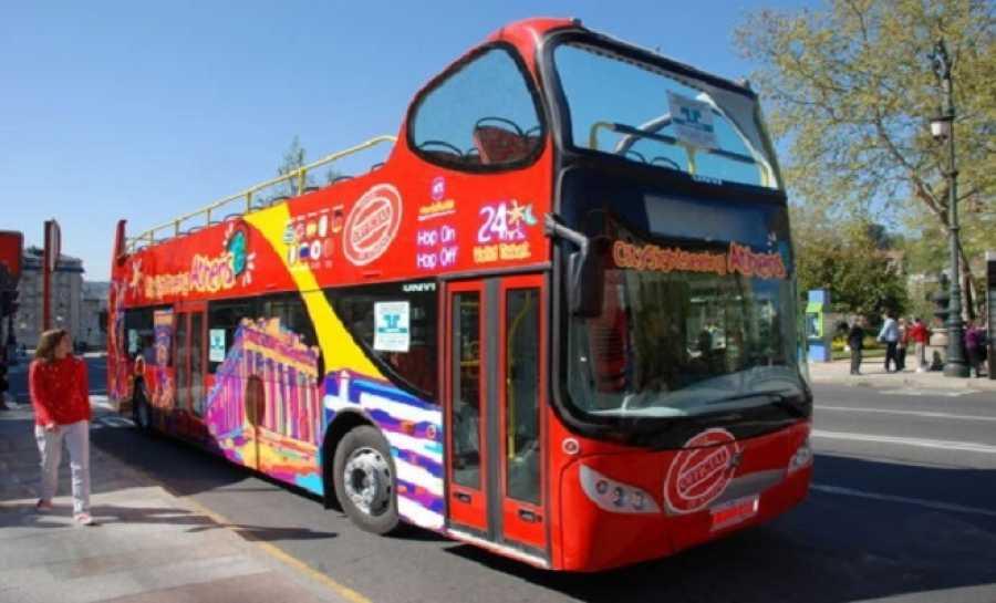 Διώροφο ανοικτό τουριστικό λεωφορείο αποκτά η Καλαμάτα!