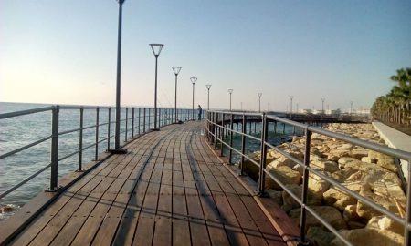 Ενιαίο δίκτυο ποδηλατοδρόμων και ξύλινες αποβάθρες στην παραλιακή ζώνη πρότειναν οι αρχιτέκτονες