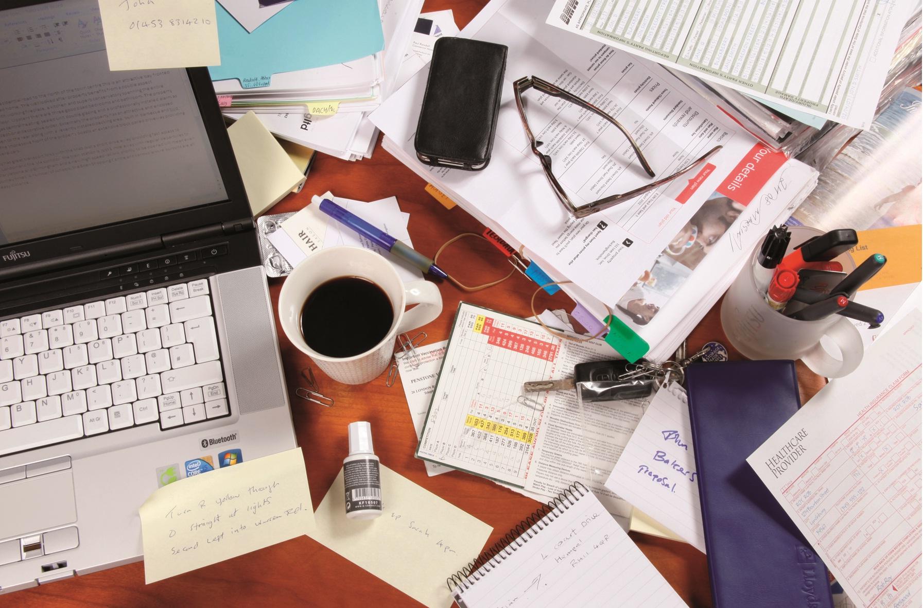 Το ακατάστατο γραφείο είναι ένδειξη ευφυΐας