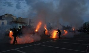 Σαϊτοπόλεμος και κάψιμο του Ιούδα σε Μεσσήνη και Εύα