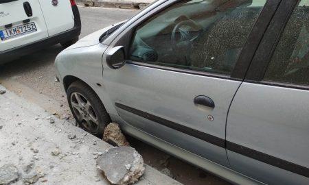 Καλαμάτα: Κομμάτια τσιμέντου ξεκόλλησαν από μπαλκόνι και έπεσαν σε αυτοκίνητο!