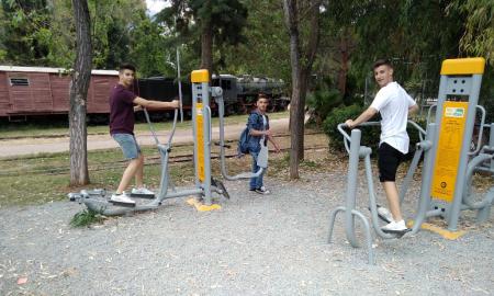 Ένα υπαίθριο γυμναστήριο για όλους στο Πάρκο Σιδηροδρόμων Καλαμάτας!