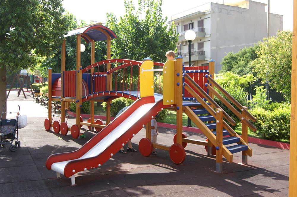 """Με 340.000 ευρώ από """"Φιλόδημος ΙΙ"""" και Δήμο αναβαθμίζονται οι Παιδικές Χαρές Καλαμάτας"""