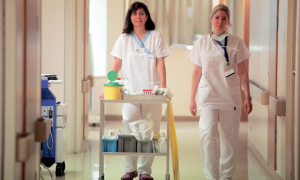 Μπέζος: Ανοίγει ο δρόμος για την πρόσληψη 25 νοσηλευτών