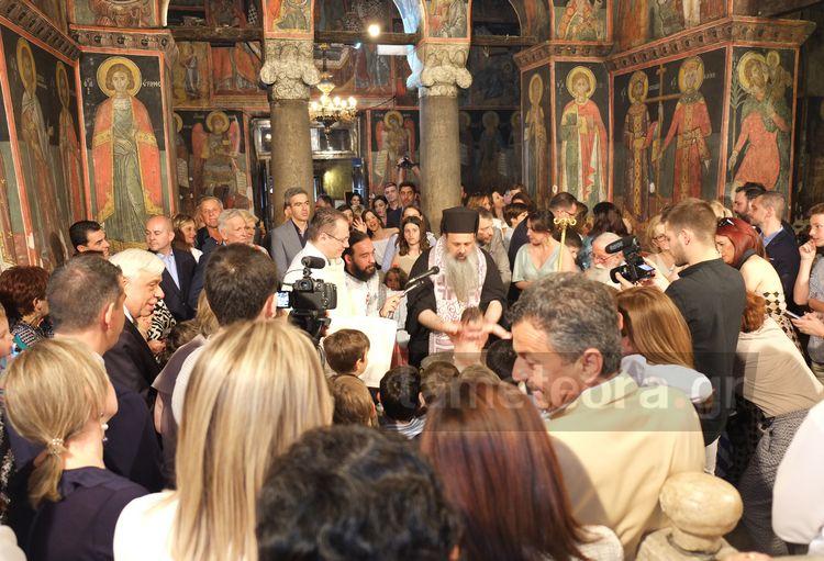 Στην Καλαμπάκα για τη βάπτιση των διδύμων εγγονών του ο Πρ. Παυλόπουλος