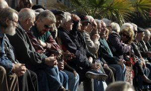Στα 895,12 η μέση σύνταξη – 2,5 εκατ. οι συνταξιούχοι της χώρας