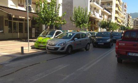 Κλειστό το ένα ρεύμα στη Φαρών λόγω τροχαίου ατυχήματος