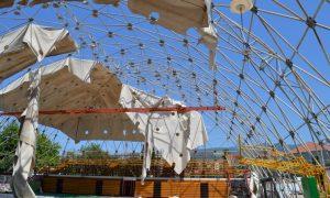 2η ημέρα στην Τέντα: Εντατικές οι εργασίες αποξήλωσης του καλύμματος