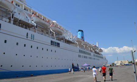 1.231 επιβάτες έφερε στο λιμάνι της Καλαμάτας το πρώτο κρουαζιερόπλοιο της σεζόν