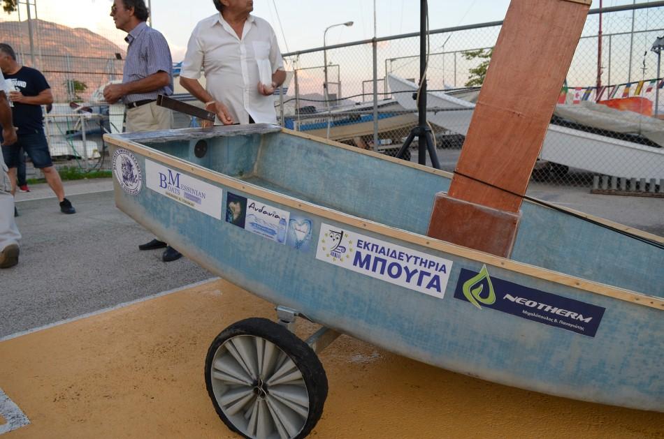 Το πρώτο ιστιοπλοϊκό σκάφος από ανακυκλωμένα πλαστικά μπουκάλια κατασκευάστηκε στην Καλαμάτα!