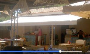 Ο Μπάμπης Στόκας άνοιξε το Bibas beach bar στην Κορώνη