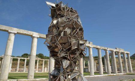 """""""Μεσσάνα"""": 22 γλυπτά των Ζογγολόπουλου-Χουλιαρά σε αρμονική συνύπαρξη στην Αρχαία Μεσσήνη"""