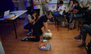 Εκπαιδευτήρια Μπουγά: Απινιδωτή απέκτησε το σχολείο!