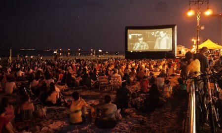 """""""Ας περιμένουν οι γυναίκες"""": Cinema δίπλα στη θάλασσα με ζωντανή μουσική!"""