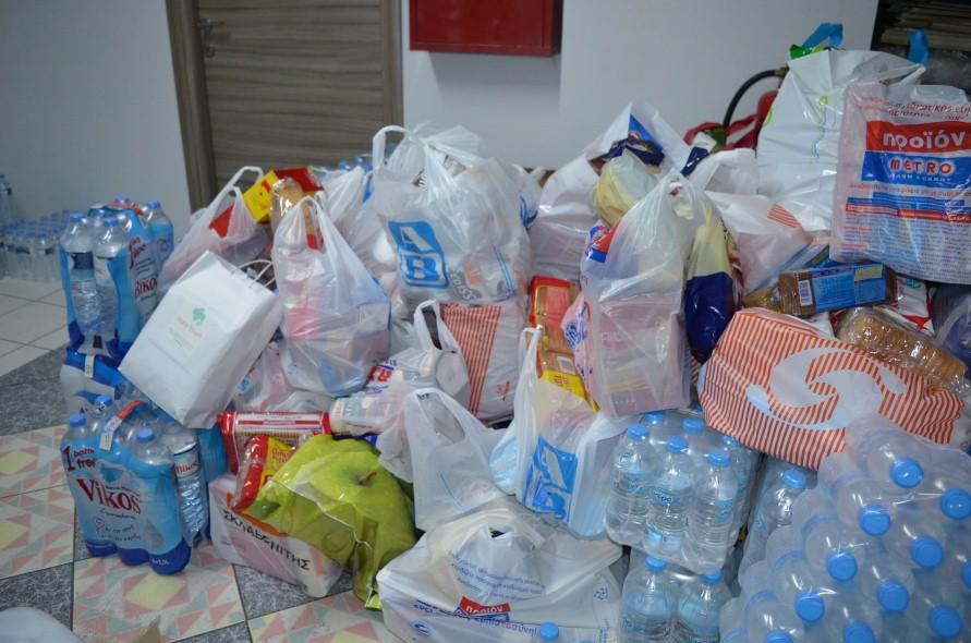 """""""Τσουνάμι"""" προσφοράς στο """"Εργαστήρι"""" στην οδό Μακεδονίας"""