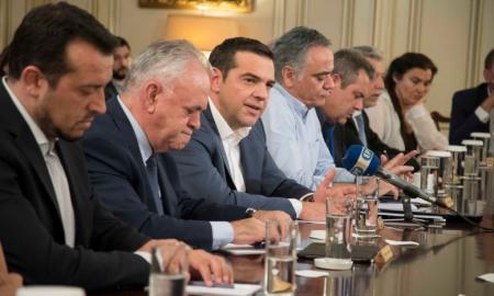 """Τσίπρας: """"Αναλαμβάνω ακέραια την πολιτική ευθύνη για την τραγωδία"""""""