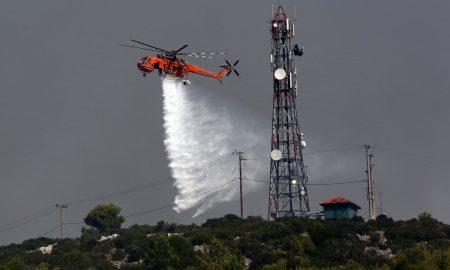 Το πρώτο ελικόπτερο που έφτασε στο Μάτι, έμεινε από καύσιμα!