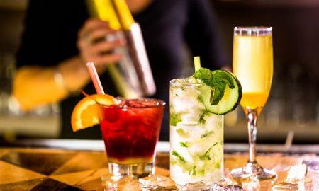 Aquarella: Υπέροχη βουτιά σε αγαπημένα κοκτέιλ από κορυφαίους bartenders