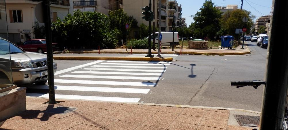 Δήμος Καλαμάτας: Διαγραμμίσεις δρόμων και διαβάσεων και μετά τον Δεκαπενταύγουστο